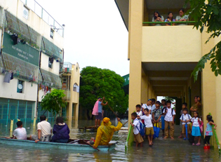 overflooding Manila