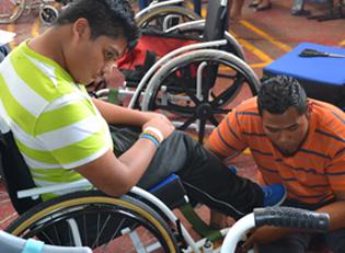 Guatemala Reparatur Rollstuhl